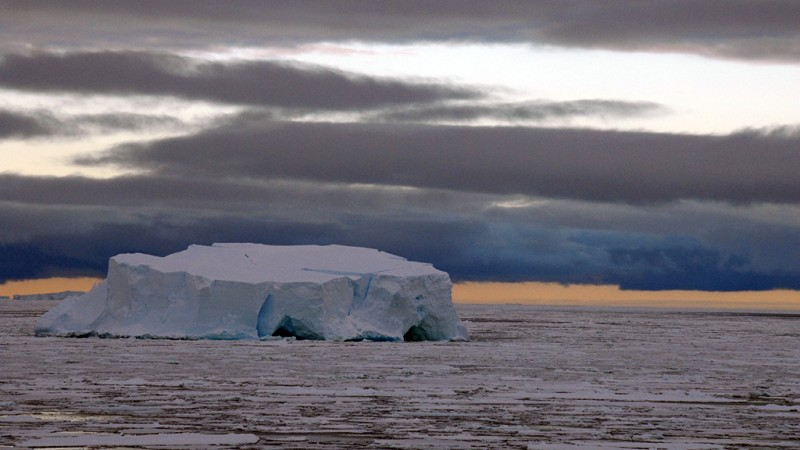 iceberg2_800_450_90_s_c1_c_c
